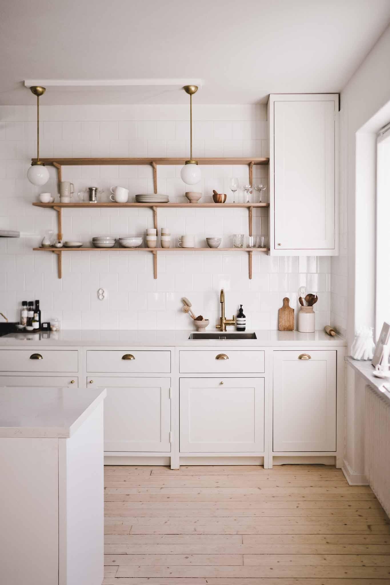 Köksinspiration vitt shakerkök med köksö Marta Vargas från Skandinaviska Shakerkök